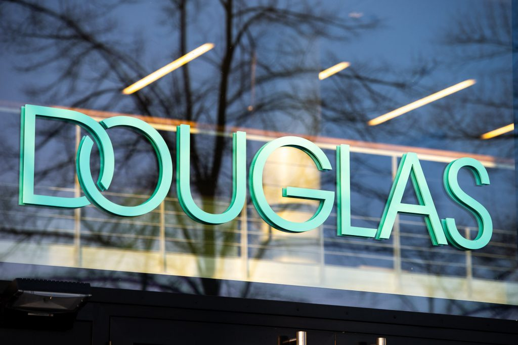 Douglas sales hit record high again during the Christmas quarter