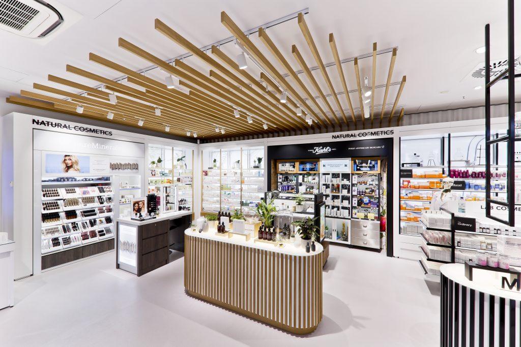 Douglas eröffnet Europas modernstes Beauty Erlebnis-Shopping in Berlin